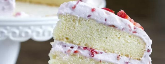 Delicious Fresh Strawberry Cake Recipe