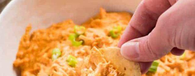 Easy Creamy Buffalo Chicken Dip